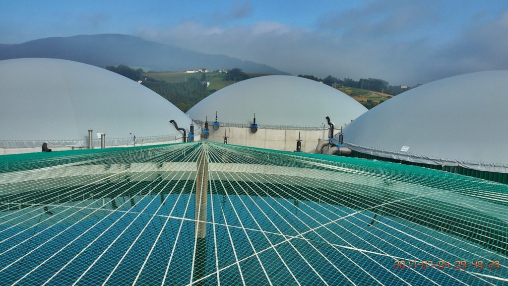HOW DOES A DOUBLE MEMBRANE ROOF WORK?